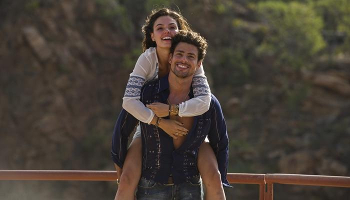 Leandro (Cauã Reymond) e Antônia (Isis Valverde) em Amores Roubados (Foto: Globo/Estevam Avellar)