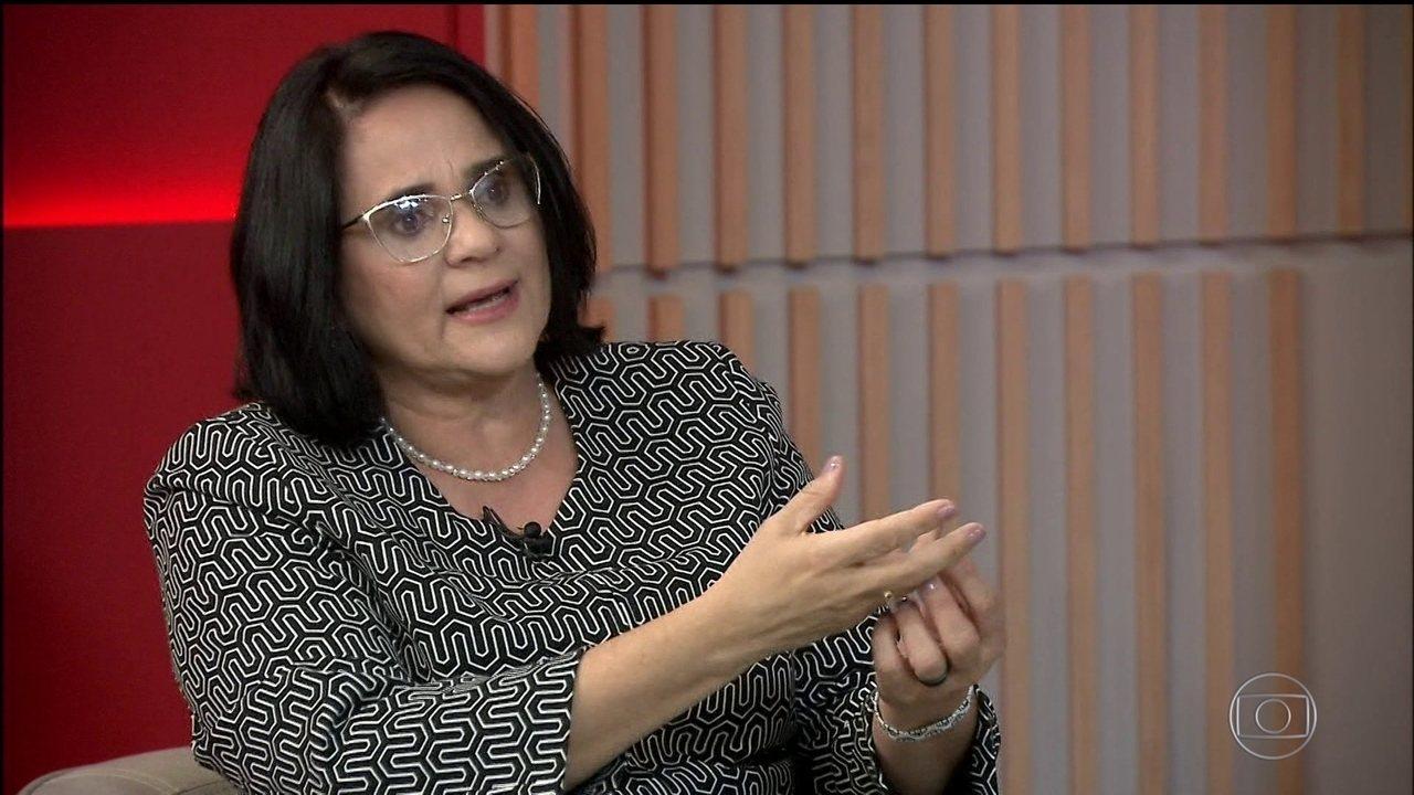 A ministra Damares Alves foi tema de reportagem do Fantástico (Foto: Reprodução)