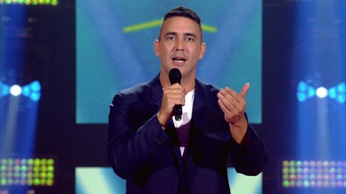 O apresentadorAndré Marques na estreia da 4ª temporada do The Voice Kids (Foto: Reprodução/Globo)