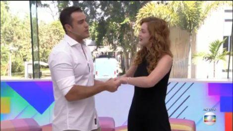 Joaquim Lopes e Sophia Abrahão se despedem do Vídeo Show (Foto: Reprodução)