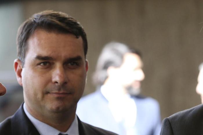 O senador eleito Flávio Bolsonaro foi citado na Globo (Foto: Reprodução)