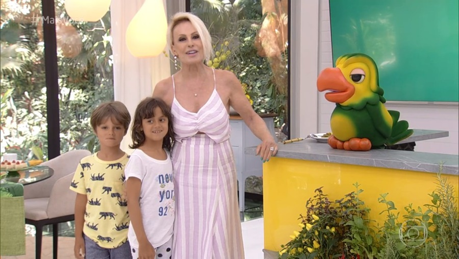 Ana Maria Braga e seus netos (Foto: GloboPlay)