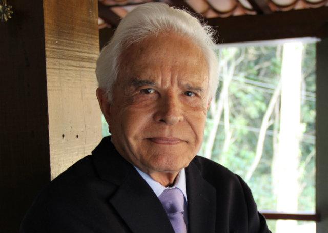 O jornalista Cid Moreira (Foto: Reprodução)