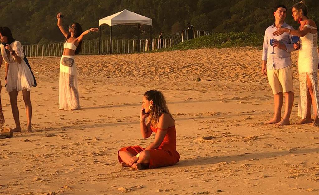 Paolla Oliveira chorando no Réveillon (Foto: Glamurama)