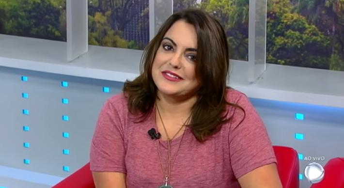 A jornalista Fabíola Reipert, no quadro A Hora da Venenosa. (Foto: Reprodução)