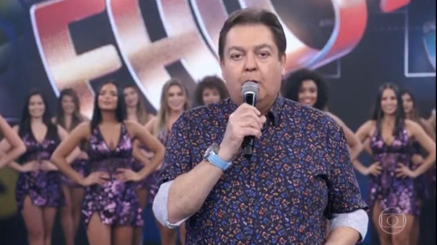 """Fausto Silva no seu primeiro """"Domingão do Faustão"""" (Foto: Reprodução/Rede Globo)"""