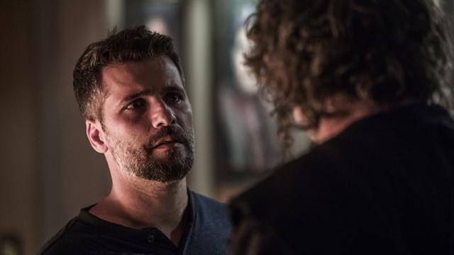 Gabriel (Bruno Gagliasso) eLeón (Eduardo Moscovis) em O Sétimo Guardião (Foto: Globo/Victor Pollak)