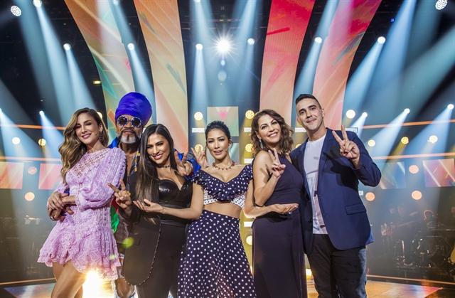 Claudia Leitte, Carlinhos Brown e Simone & Simaria com André Marques e Thalita Rebouças no The Voice Kids (Foto: Globo/João Miguel Júnior)