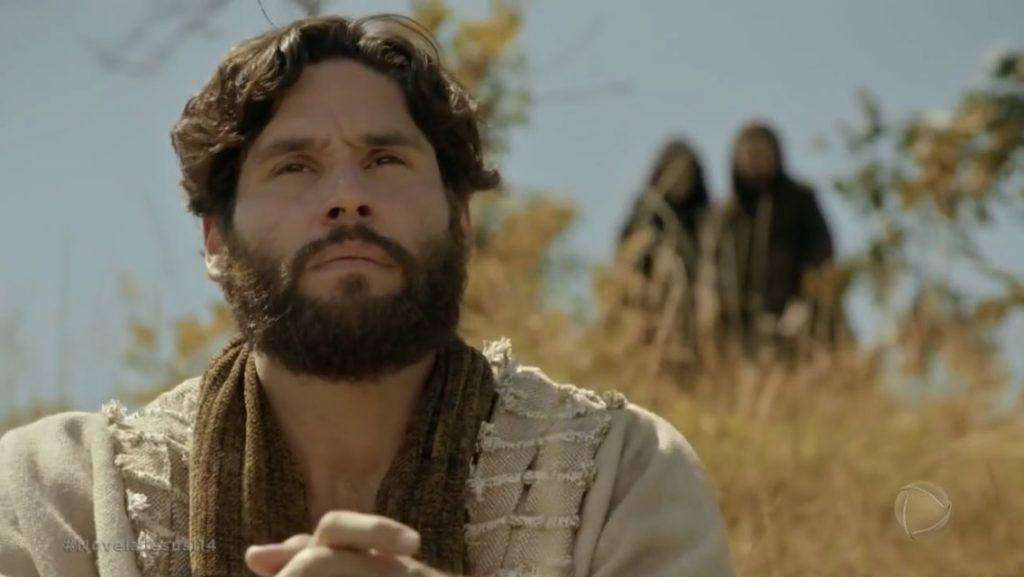 Dudu Azevedo interpreta Jesus na novela bíblica da Record (Foto: Reprodução)