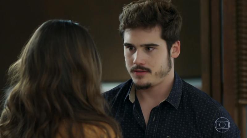 Samuca (Nicolas Prattes) e Marocas (Juliana Paiva) em O Tempo Não Para (Foto: Reprodução/Globo)