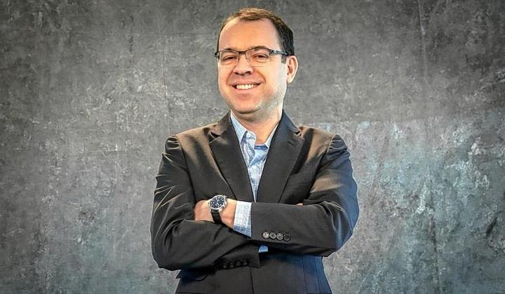 Mário Teixeira é autor de O Tempo Não Para. (Foto: Divulgação)
