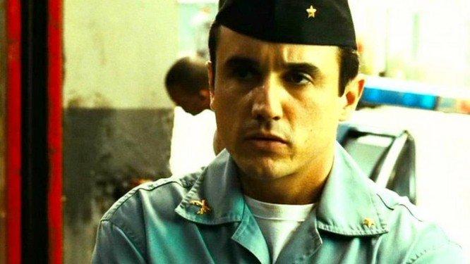 Caio Junqueira em cena do filme Tropa de Elite (Foto: Divulgação)