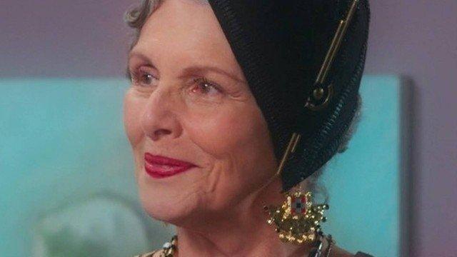 Hildegard (Irene Ravache) em Espelho da Vida (Foto: Reprodução)
