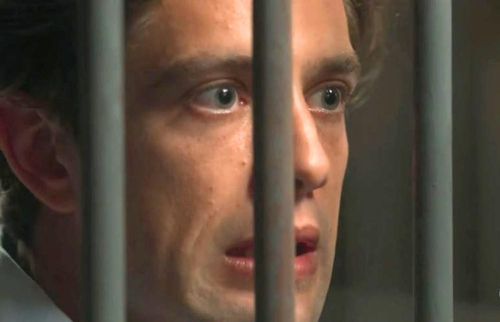 Danilo em cena da novela Espelho da Vida (Foto: Reprodução)