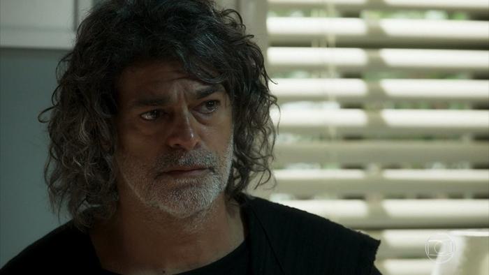 Murilo/León (Eduardo Moscovis) em cena deO Sétimo Guardião (Foto: Reprodução/Globo)