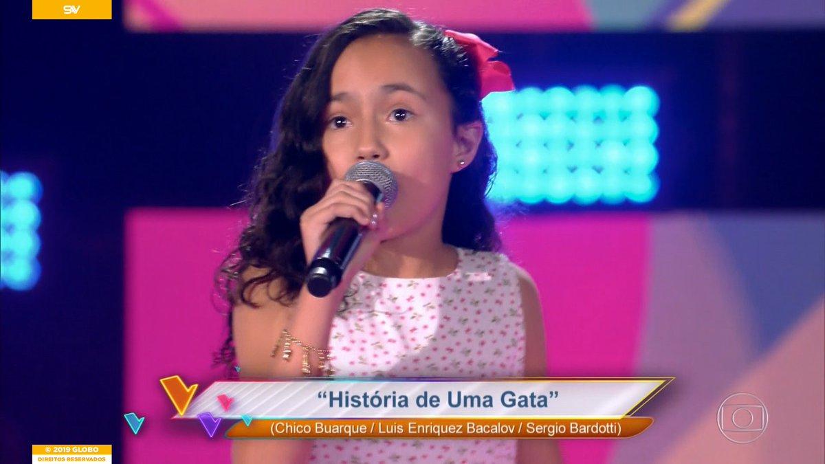 Cacau foi uma das participantes do The Voice Kids deste domingo (Foto: Reprodução)