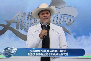 Padre Alessandro Campos na estreia de seu novo programa na RedeTV! (Foto: Reprodução/RedeTV!)