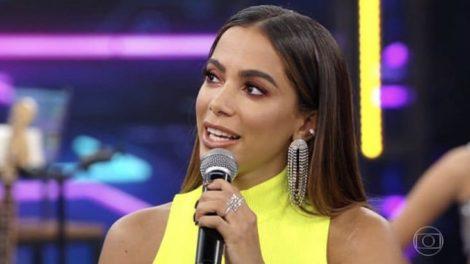 Anitta no palco do Domingão do Faustão (Foto: TV Globo)