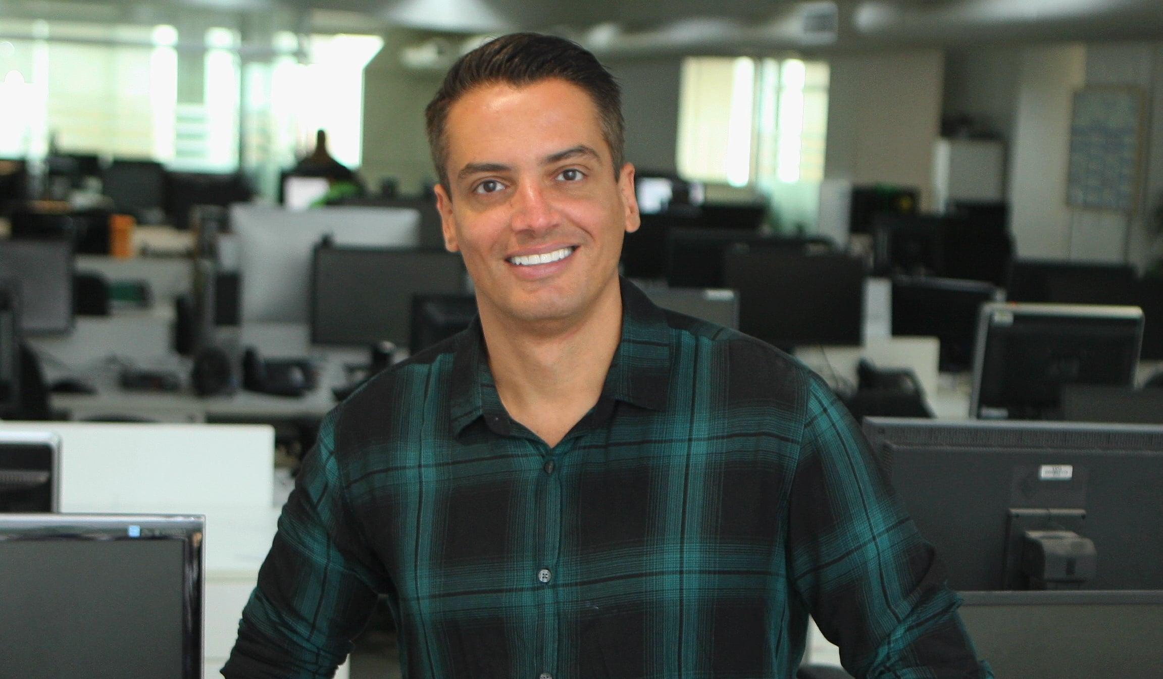 Leo Dias, apresentador do Fofocalizando no SBT, . (Foto: Reprodução)