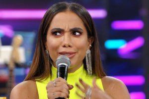 Anitta esteve no palco do Domingão do Faustão e defendeu suas origens (Foto: TV Globo)