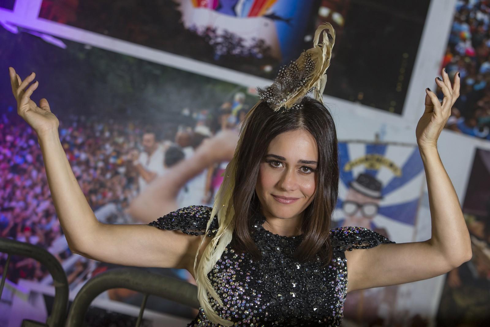 Alessandra Negrini anunciou sua grande paixão no Carnaval (Foto: Paulo Damasceno/Gshow)