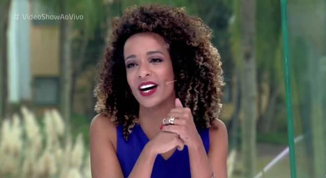 Alinne Prado no comando do Vídeo Show (Foto: Reprodução/Globo)
