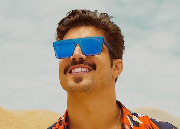 O ator Caio Castro interpreta o personagem gay Rock em A Dona do Pedaço (Foto: Reprodução)