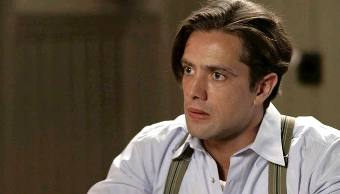 Danilo (Rafael Cardoso) em cena de Espelho da Vida (Foto: Reprodução/Globo)