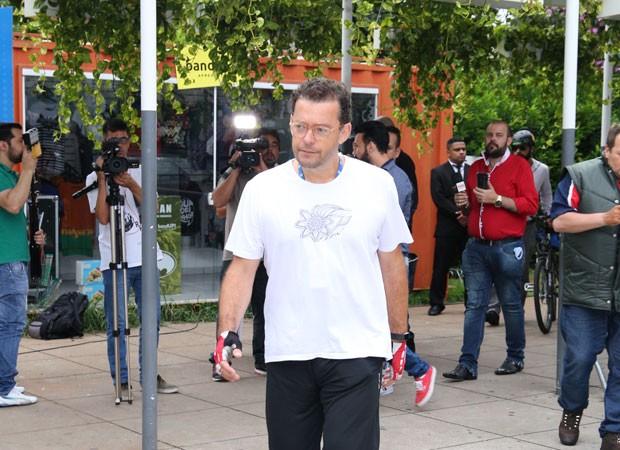 Fernando Rocha estava profundamente abalado (Foto: AgNews)