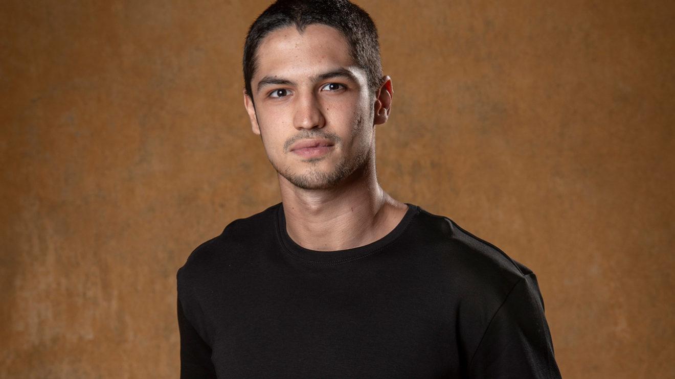 O ator Gabriel Leone não revelou com a Globo (Foto: Reprodução)