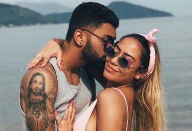 Após término com o craque de futebol, Gabigol, a famosa empresária e irmã de Neymar, Rafella Santos foi clicada ao lado de DJ com a barriguinha aparecendo (Foto: Reprodução/Instagram)