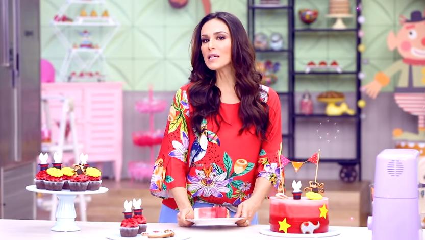 Nadja Haddad é a apresentadora do reality show culinário (Foto: Divulgação)