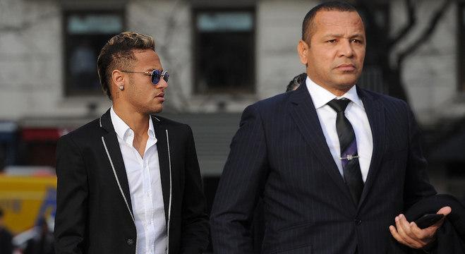 Neymar Jr. e Neymar Pai, jogador e empresário andam sempre juntos (Foto: Denis Doyle/Getty Images)