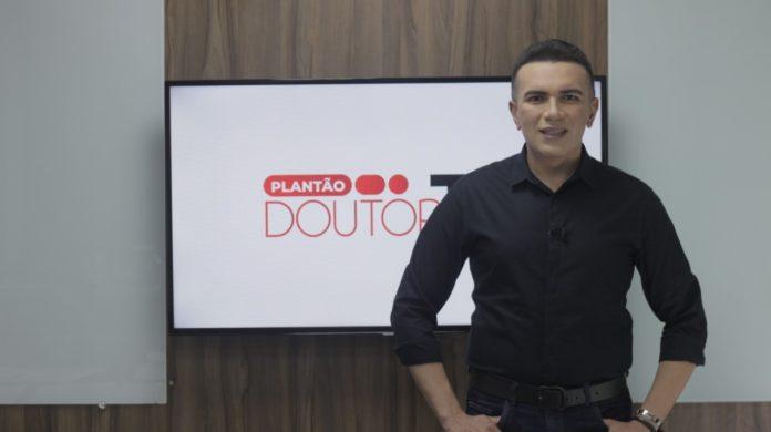 Salatiel Araújo apresenta programa na Record News (Foto: Divulgação Doutor TV)