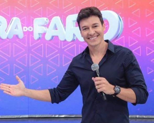 Rodrigo Faro deu o que falar nas redes sociais por conta de uma foto de farol (Foto: Reprodução)