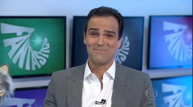 Tadeu Schmidt apresenta o Fantástico na Globo (Foto: Reprodução)
