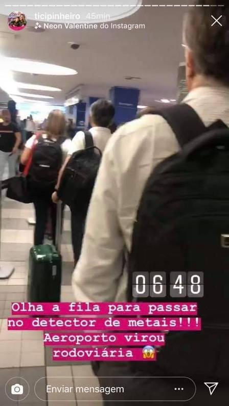 Ticiane Pinheiro compara fila de aeroporto à rodoviária, e internautas criticam (Foto: Reprodução/Instagram)