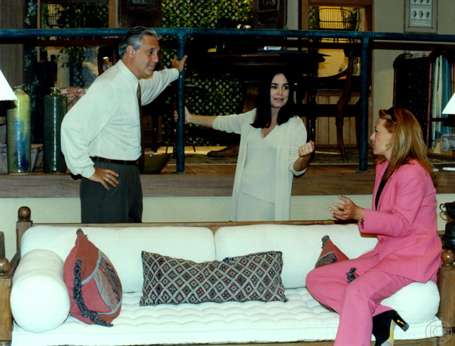 Antonio Fagundes, Regina e Maria Zilda nos conversam em intervalo. (Foto: Nelson Di Rago/TV Globo)