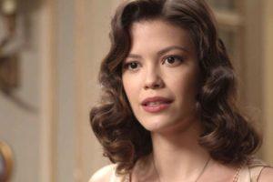 Julia Castelo em cena da novela Espelho da Vida (Foto: Reprodução)