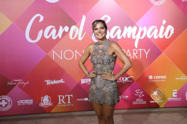 Carol Sampaio que recebeu famosos como Fernanda Paes Leme (Foto: Daniel Pinheiro/AgNews)