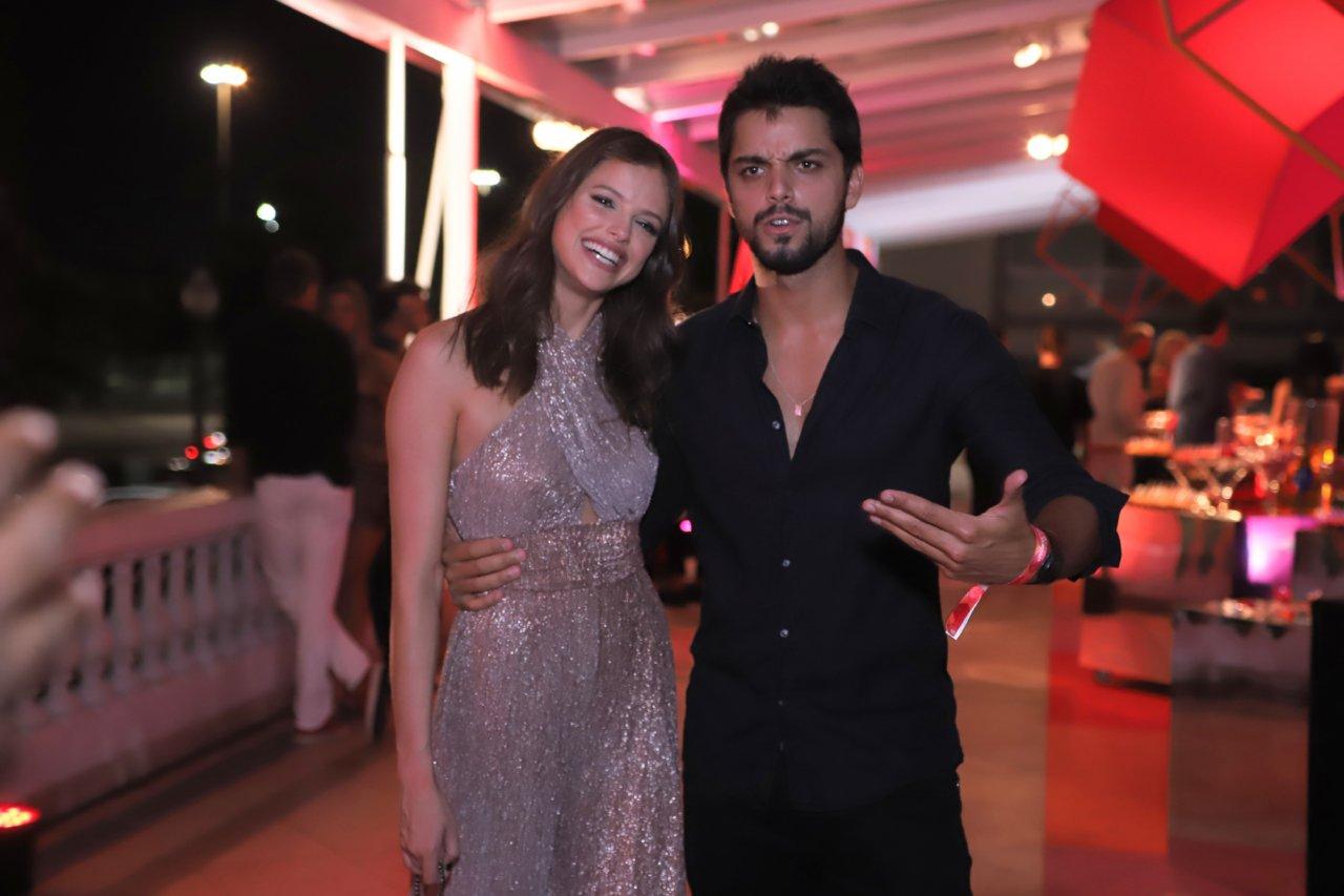 O casal Rodrigo Simas e Agatha Moreira