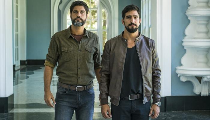 Hussein (Bruno Cabrerizo) e Jamil (Renato Goes) em Órfãos da Terra (Foto: Globo/Paulo Belote)