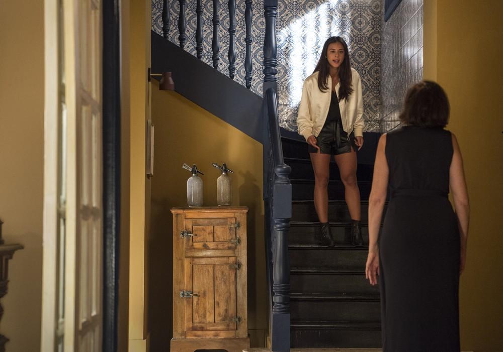 Laura e Valentina em cena de O Sétimo Guardião (Foto: Reprodução)