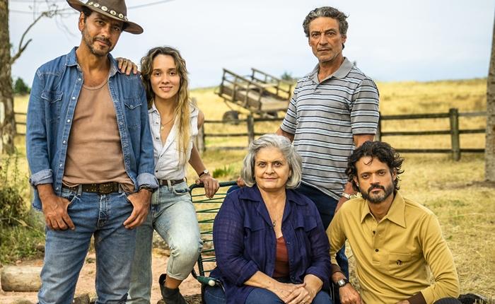 Família Matheus em A Dona do Pedaço (Foto: Globo/João Miguel Júnior)