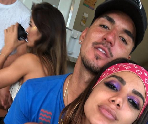 Gabriel Medina e Anitta durante festinha particular (Foto: Reprodução/Instagram)