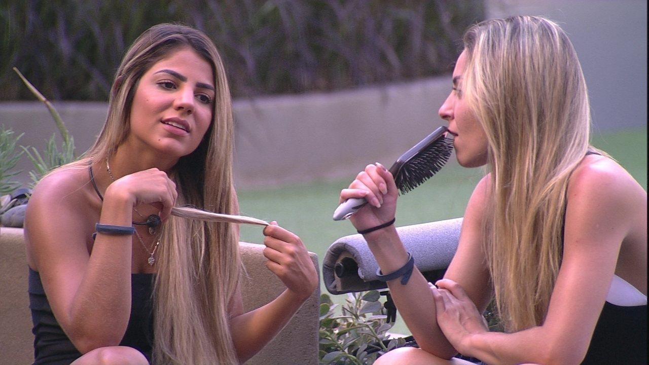 Paula e Hariany no BBB19 (Foto: Reprodução/Globo)