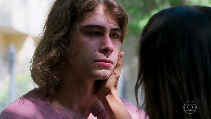 João(Rafael Vitti) em Verão 90 (Foto: Reprodução/Globo)