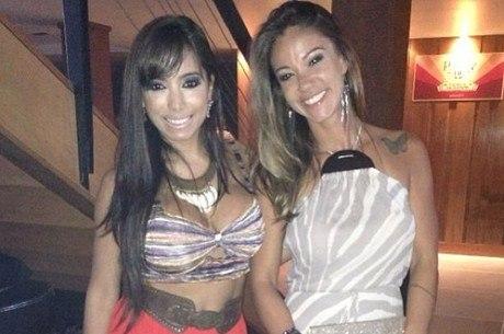 Anitta e Kamilla Fialho (Foto: Reprodução)