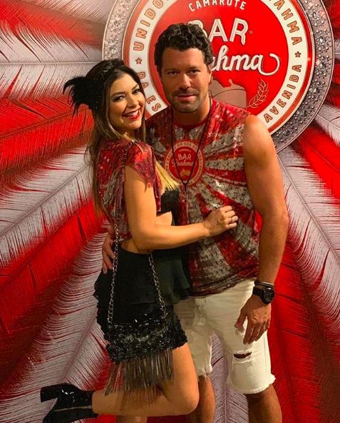 Amanda Françozo e o marido curtem carnaval (Foto: Reprodução Instagram)