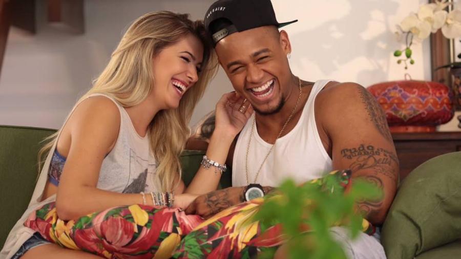 O famoso cantor Léo Santana esconde volta com a modelo e dançarina, Lore Improta após diversa indas e vindas (Foto: Reprodução)